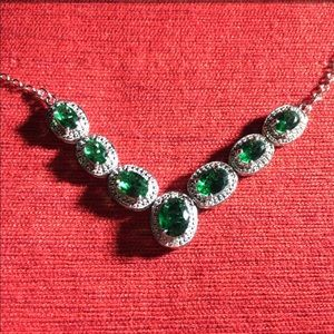 Jewelry - Emerald & Sterling Silver Necklace